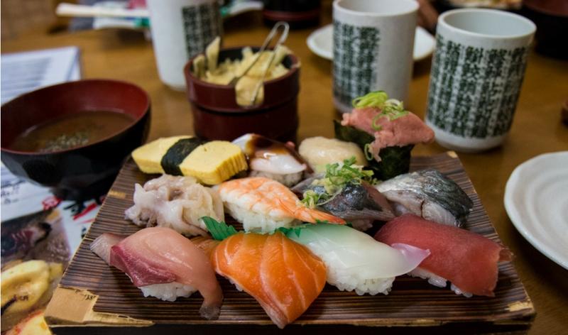 sushi cena tradizionale giapponese