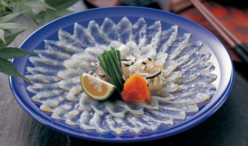 fugu sashimi piatto giapponese